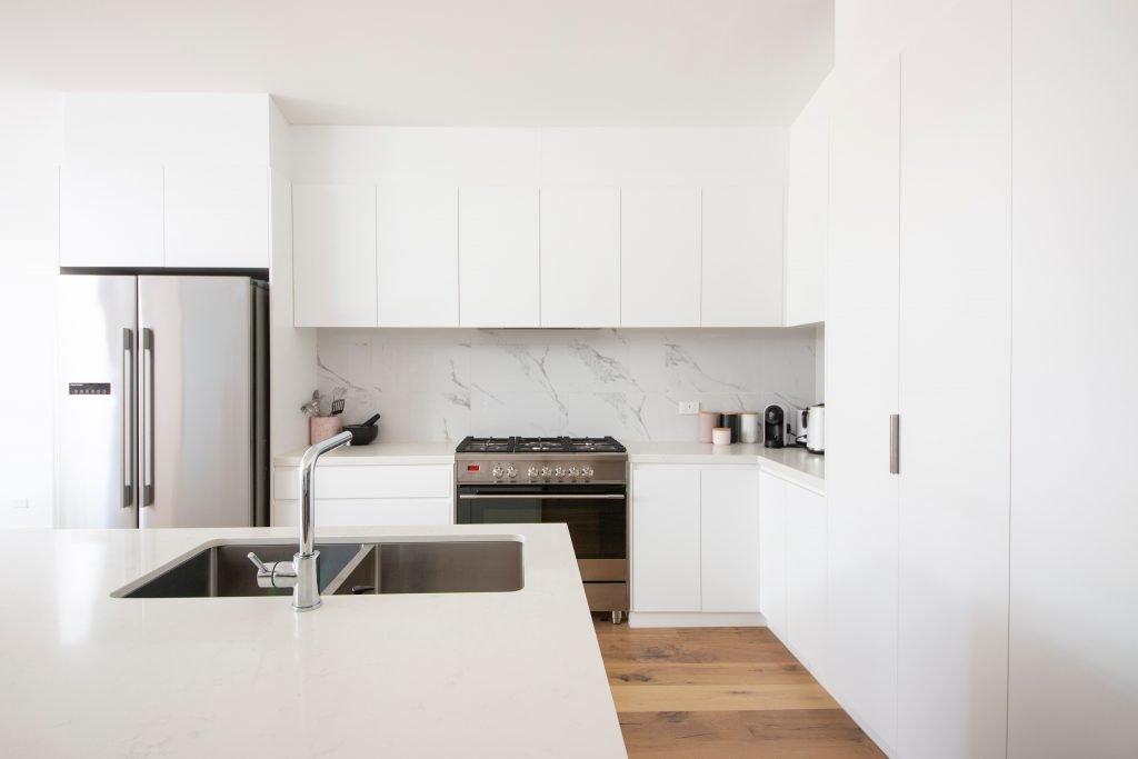 white kitchen clean